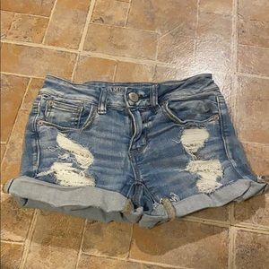 American Eagle outfitters midi shorts!